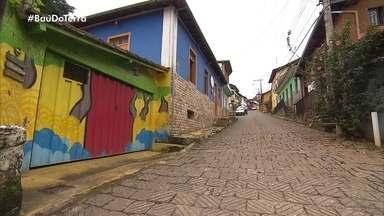 'Baú do Terra': reportagem mostra rua em que cada morador transforma materiais em arte - Quadro destaca momentos que marcaram os 15 anos do programa.