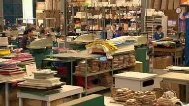 Faculdade de Sorocaba disponibiliza consultoria gratuita a empresários sobre exportação - Uma universidade de Sorocaba (SP) está ajudando empresários da região a se qualificar para ampliar os negócios com consultoria gratuita, auxiliando interessados em exportação.