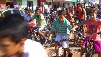 Passeio ciclístico contra as drogas é realizado em Palmas - Passeio ciclístico contra as drogas é realizado em Palmas
