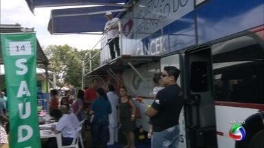 Ônibus da saúde no Ação Cidadania em Campo Grande - Ônibus faz prevenção do câncer no evento.