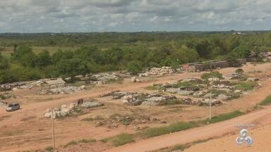 Santana e Mazagão vão usar o aterro controlado de Macapá - Por dia, serão 100 toneladas de lixo a mais que serão depositadas no espaço. Com as três cidades usando o aterro, a preocupação vem a preocupação com a necessidade de projetos para melhorar a coleta de lixo.