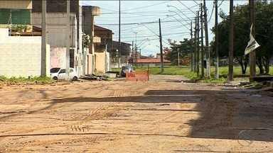 Moradores do Conjunto Marcos Freire I reclamam da falta de infraestrutura - Moradores do Conjunto Marcos Freire I reclamam da falta de infraestrutura.