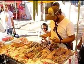 Feira Agroecológica é realizada em Montes Claros - Feira faz parte da programação das Festas de Agosto.