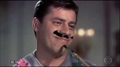 Genialidade marca carreira do ator e comediante Jerry Lewis - O 'rei da comédia' fez muito sucesso no papel de 'O Professor Aloprado' e nas apresentações ao lado de Dean Martin.