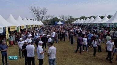 Ação Cidadania supera meta e faz 13 mil atendimentos na Moreninha 3, em Campo Grande - Segundo Sesi, previsão era de 5 mil atendimentos. Evento atraiu 4,6 mil pessoas na região sul da capital sul-mato-grossense.