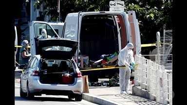 Motorista joga van contra pontos de ônibus e deixa um morto na França - Incidente foi em Marselha. Uma segunda pessoa ficou gravemente ficou ferida. O motorista, que foi preso, tem histórico de problemas mentais.
