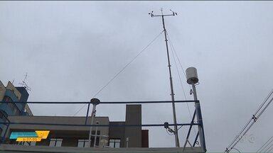 IAP instala equipamento para monitorar qualidade do ar, em Londrina - Com a nova estação de medição, é possível fazer esse levantamento em tempo real.