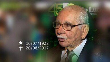 Familiares de amigos se despedem de José Augusto Barreto - Familiares de amigos se despedem de José Augusto Barreto.