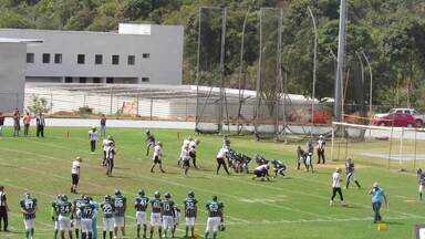 Veja lances da vitória do JF Imperadores sobre o Palmeiras Locomotives - KC Frost anotou touchdown corrido e defesa forçou safety do ataque alviverde. Jogo foi na manhã deste domingo, em Juiz de Fora