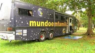 Família pretende viajar o mundo em um ônibus; partida será em Cabo Frio, no RJ - Assista a seguir.