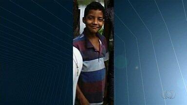 Juiz mantém prisão de professor que atropelou e matou garoto, em Goiânia - Motorista foi autuado por embriaguez ao volante e homicídio culposo. Menino de 8 anos atravessava rua em bicicleta sem freio no momento do acidente.