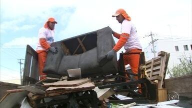 Projeto Cidade Limpa chega a Jundiaí - O projeto Cidade Limpa, desenvolvido pela TV TEM em parceria com as prefeituras, chegou a Jundiaí nesta segunda-feira (21). Nesta primeira etapa, cerca de duas toneladas de materiais inservíveis foram colhidos.