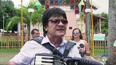 Cantor Novinho da Paraíba tem alta após internação devido a assalto do Recife - Informação foi repassada pela Secretaria de Saúde. Cantor foi alvo de bandidos na sexta-feira (18).