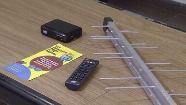 Beneficiários de programas sociais podem receber equipamento para a TV digital - Sinal analógico deverá ser desligado em novembro.