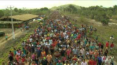 Milhares de devotos seguiram em romaria pra celebrar São Raimundo Nonato dos Mulundus - Milhares de devotos seguiram em romaria pra celebrar São Raimundo Nonato dos Mulundus, na cidade de Vargem Grande, 170 km de São Luís.