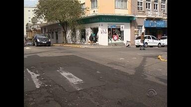 Faixas de segurança são mal sinalizadas em Santa Maria, RS - Nossa equipe registrou diversos problemas nas ruas da cidade.