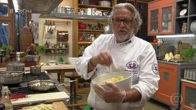 Roberto Ravioli prepara receitas com beringela - O produtor rural Josué manda beringelas frescas para o chef, que dá o seu toque na cozinha do 'É de Casa'