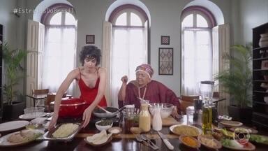 Dona Onete recebe Maria Flor para cozinhar em sua casa - A Rainha do Carimbó começou a cantar aos 70 anos e hoje é sucesso nas paradas do Pará