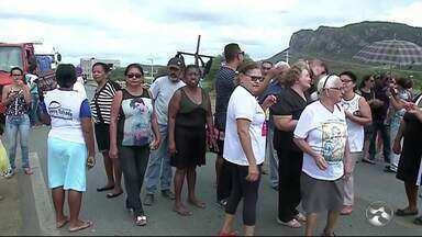 DNIT se pronuncia sobre protesto de moradores na BR-232 em Serra Talhada - Moradores querem a instalação de uma passarela