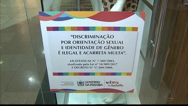 JPB2JP: Lei obriga fixação de aviso sobre a discriminação por orientação sexual - Quem não colocar o aviso paga multa.