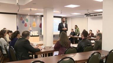 Para driblar a crise, reuniões promovem encontros entre empresários na Acic em Campinas - Encontros acontecem todas às segunda, terça e quarta, na sede da Associação