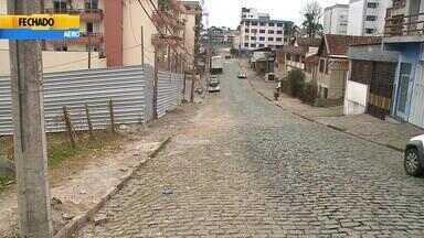 Idoso morre ao tentar se libertar de assaltantes em Caxias do Sul - Após ter sua casa invadida, vítima foi levada como refém e obrigada a dirigir carro.