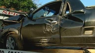 Casal morre em colisão entre moto e picape na Rodovia do Trabalhador em Dobrada, SP - Polícia Militar constatou que o motorista do veículo, de 27 anos, estava embriagado.