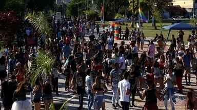Parada Gay de Volta Redonda reúne centenas de pessoas que lutam contra o preconceito - Esta foi a 5ª edição do evento.