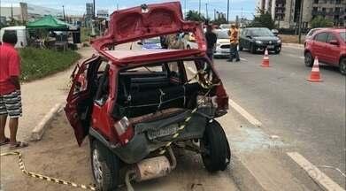 Família fica ferida durante acidente na BR 230, na Paraíba - As três pessoas que estavam no carro sofreram ferimentos leves.