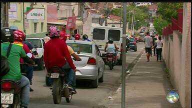 Falta de binários atrapalha o trânsito em Caruaru - Motoristas sofrem com o trânsito.