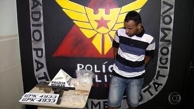 Polícia Militar prende em Belo Horizonte suspeito de tráfico de drogas - Com ele, a PM apreendeu uma grande quantidade de drogas e uma submetralhadora.