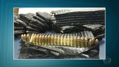 PM é preso no sul do estado com quase 3,5 mil munições de uso exclusivo das Forças Armadas - O soldado Bruno César da Silva de Jesus, de 28 anos, vinha de Guaira, no Paraná, para o Rio e foi parado em uma blitz da Policia Rodoviária Federal.