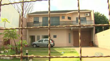 Bebê de onze meses que foi atacado por pitbull recebe alta do hospital - A criança foi ataca na casa dos avós enquanto brincava com o cão.