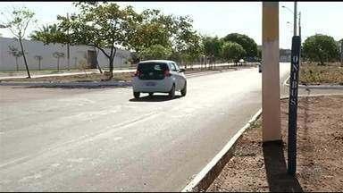 Moradores reclamam da falta de pontos de ônibus pela cidade - Moradores reclamam da falta de pontos de ônibus pela cidade