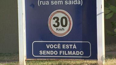Moradores de Ribeirão Preto usam a tecnologia e a comunicação contra a violência - Hoje a polícia evitou um assalto em uma casa da Zona Sul da cidade. Dois bandidos morreram na troca de tiros.