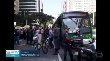 SP2 - Edição de terça-feira, 29/08/2017 - O Tribunal de Justiça de São Paulo lançou uma campanha para estimular denúncias contra assédio sexual no transporte público e, no dia do lançamento da campanha, um homem foi preso depois de abusar de uma passageira dentro de um ônibus que passava na Avenida Paulista. E mais as notícias do dia.