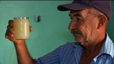 Moradores de comunidades rurais de Petrolina sofrem com falta de abastecimento de água - A Operação Seca foi suspensa por falta de pagamento do Governo do Estado