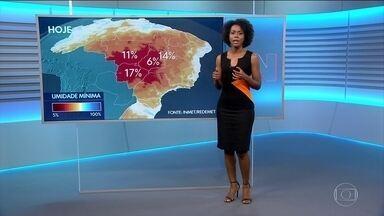 Tempo seco atinge boa parte do país - Veja a previsão do tempo para esta quarta-feira (30) no vídeo.