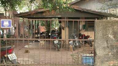 Mulher queimada ao aplicar remédio em cachorro é transferida para Londrina - O estado de saúde dela é grave.