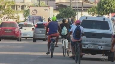 Tô Na Rede: ciclistas se arriscam e não usam ciclovias de Macapá - Com poucas ciclovias na capital, grande parte dos ciclistas não utilizam o espaço e preferem correr o risco andado pedalando na rua.
