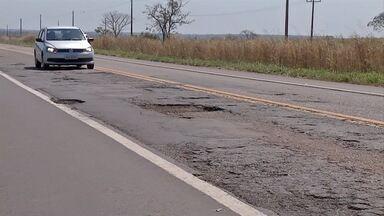 Más condições em rodovia aumentam riscos de acidente em MS - São muitos trechos sem manutenção e buracos na BR-262.