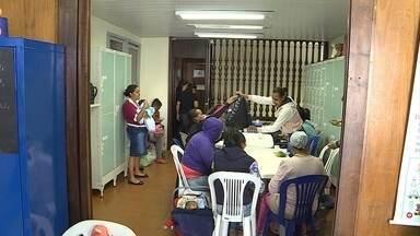 Casa para pacientes com doenças diagnosticadas pelo exame do pezinho corre risco de fechar - O centro de apoio é ligado à UFMG e depende do dinheiro público para receber as famílias que vêm de todas as regiões do estado para tratamento.