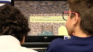 Games pedagógicos podem ajudar a melhorar notas na escola - Alunos do Ensino Médio e Fundamental começaram a tirar notas mais altas depois que algumas matérias adotaram games pedagógicos, uma prática que já é recomendada pelo Ministério da Educação.