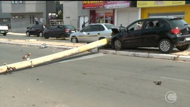 Prefeitura de Teresina vai buscar ressarcimento após colisões com postes - Prefeitura de Teresina vai buscar ressarcimento após colisões com postes