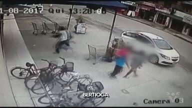 Supermercado é assaltado em Bertioga - Câmeras registraram ação de criminosos.