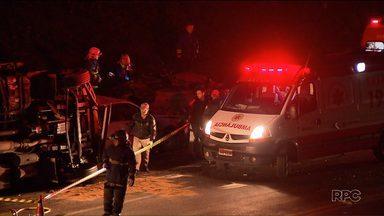 Grave acidente no contorno norte deixa uma pessoa morta e duas feridas - O motorista teve problemas mecânicos e parou num trecho sem acostamento da rodovia. Ele e um amigo, que tentava ajudar, foram atropelados por um caminhão que não conseguiu frear. Um deles morreu e outro ficou ferido. O motorista do caminhão também teve ferimentos