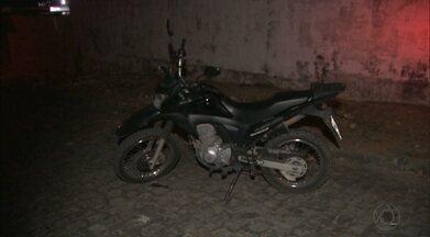 Caso do vigilante baleado no Bairro dos Estados: moto usada pelos bandidos é apreendida - Vigilante continua internado no Hospital de Trauma da Capital.
