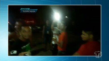 Fiscais da Semma são agredidos verbalmente durante operação - Fato começou por volta das 14h, de domingo (3), no bairro Floresta. Semma foi acionada via denúncia. Cinco pessoas foram apresentadas na Depol.