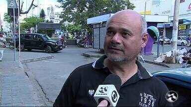 Deputados de oposição fiscalizam obras e hospitais em Caruaru - Ação faz parte da Caravana Pernambuco de Verdade, que cumpre agenda de visitas a obras paradas e equipamentos públicos da região.