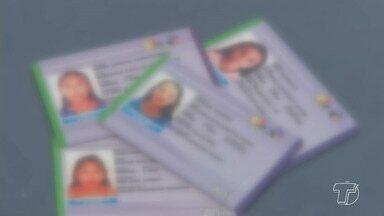Mais de 3 mil estudantes têm carteira bloqueada em coletivos de Santarém - No mês de julho, o Setrans Santarém constatou que carteiras não tinham comprovação de vínculo estudantil.